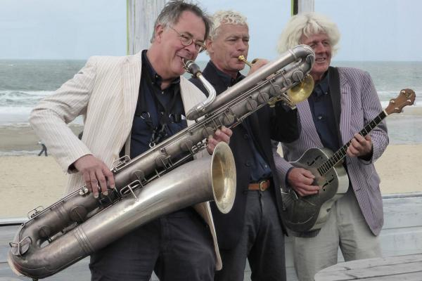 Trio Grande speelt kleshmer muziek